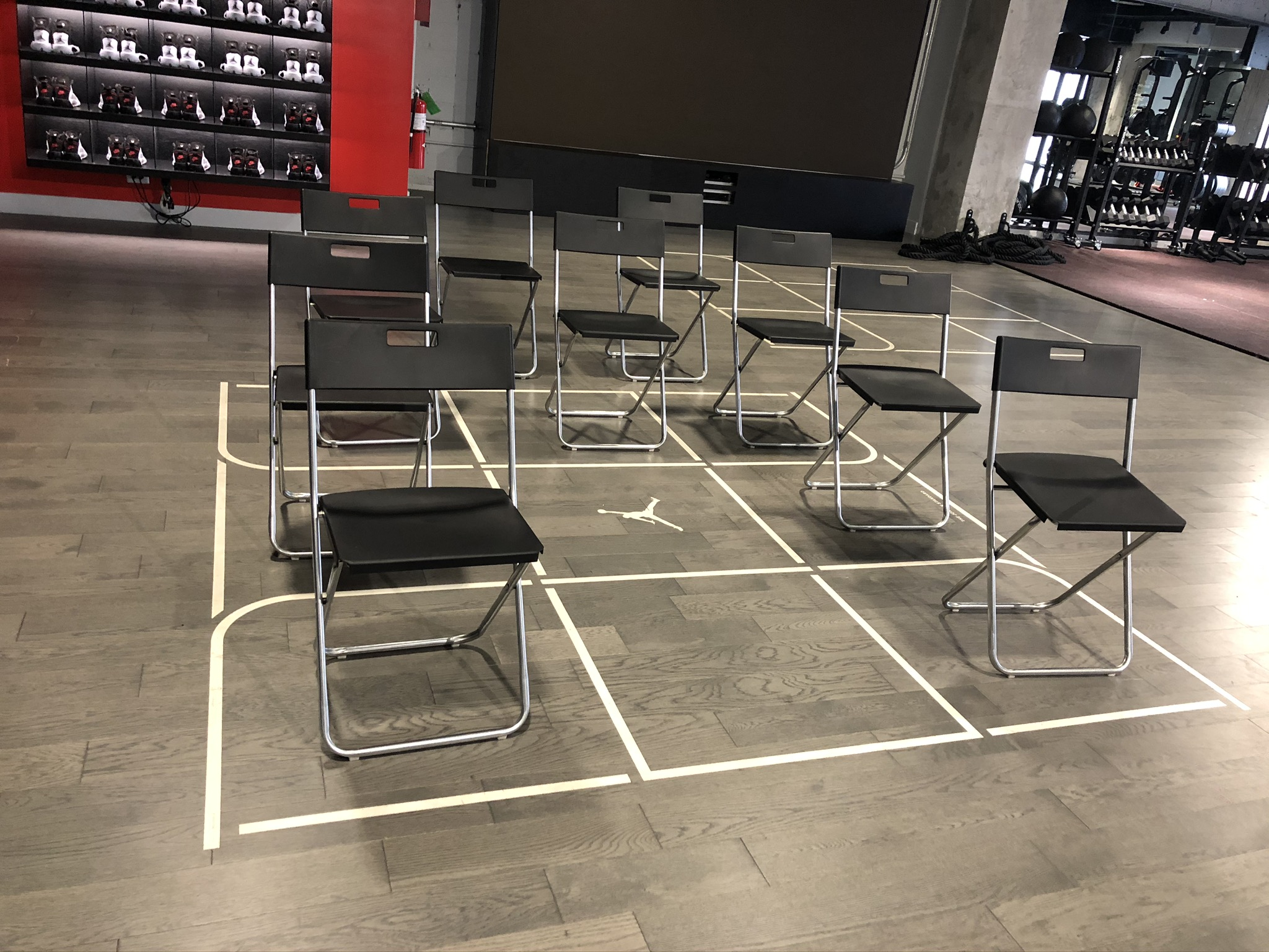 Folding chairs white